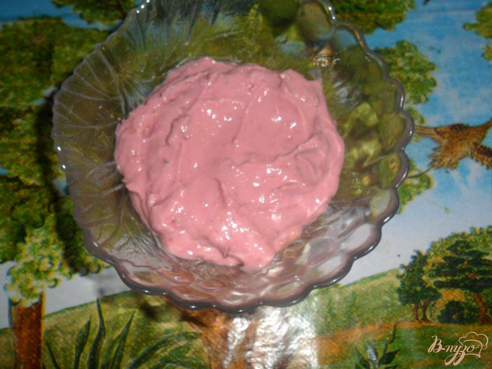 Фото приготовление рецепта: Детский творожный завтрак с вишнями шаг №4