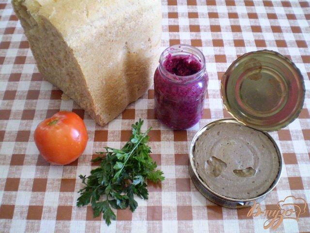 Фото приготовление рецепта: Пикантные канапе с паштетом шаг №1