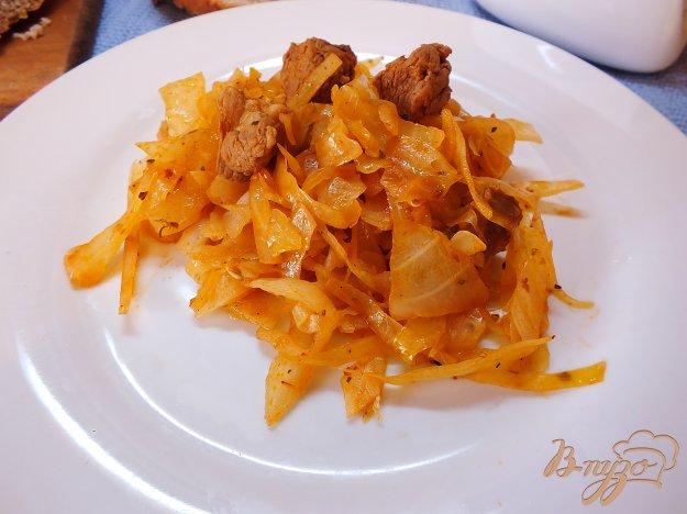 фото рецепта: Тушеная капуста с говядиной, розмарином и шафраном
