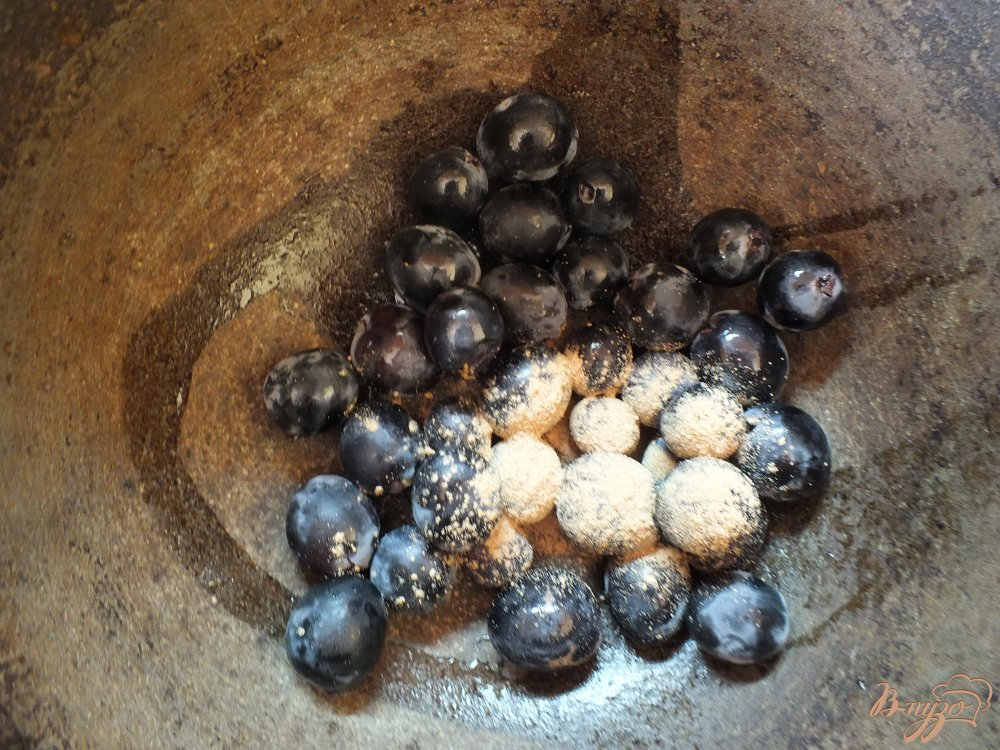 Фото приготовление рецепта: Виноградно-яблочный компот с корицей шаг №2