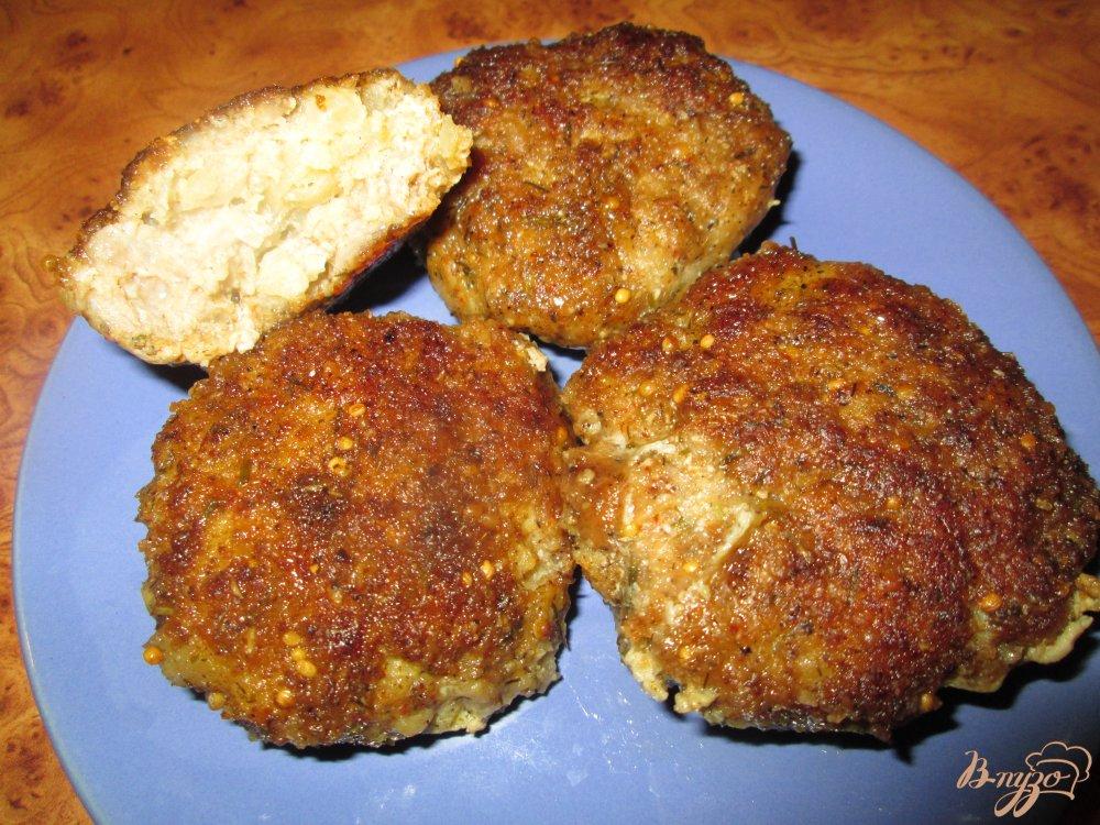 Фото приготовление рецепта: Котлеты из мясного фарша с картофелем шаг №9