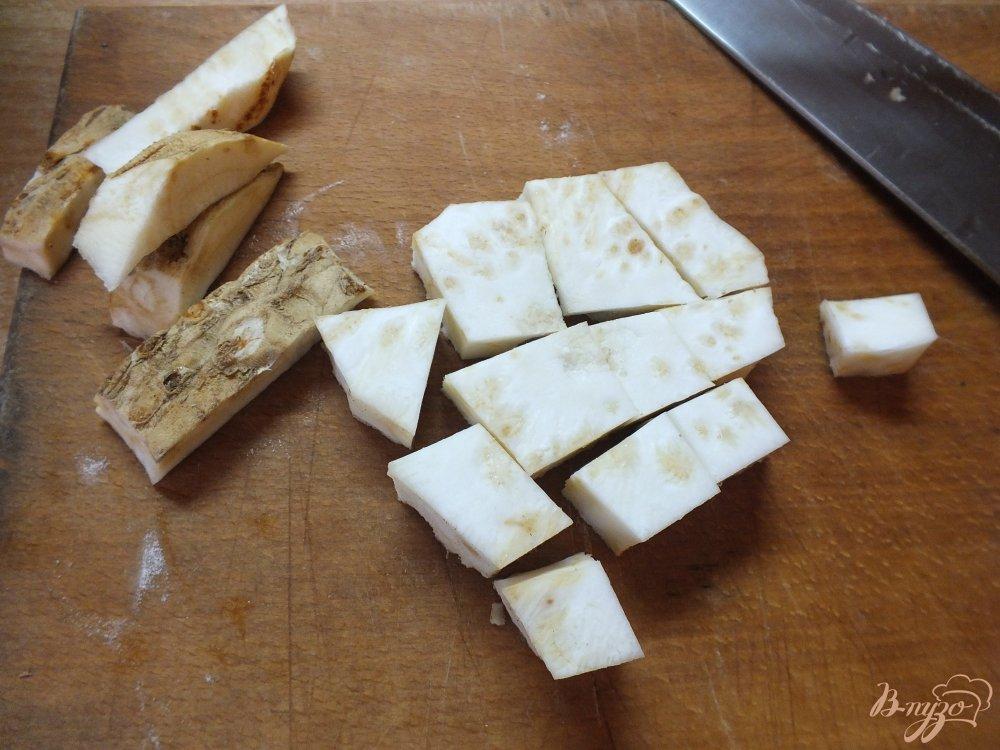 Фото приготовление рецепта: Крем-суп из огурца и цветной капусты шаг №2