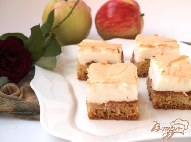 Рецепт Яблочный пирог на йогурте