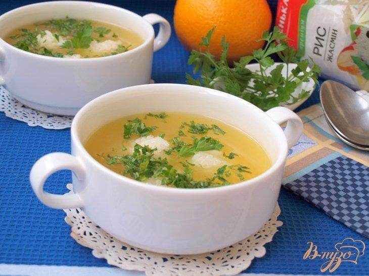Фото приготовление рецепта: Апельсиновый суп с рисовыми шариками шаг №6