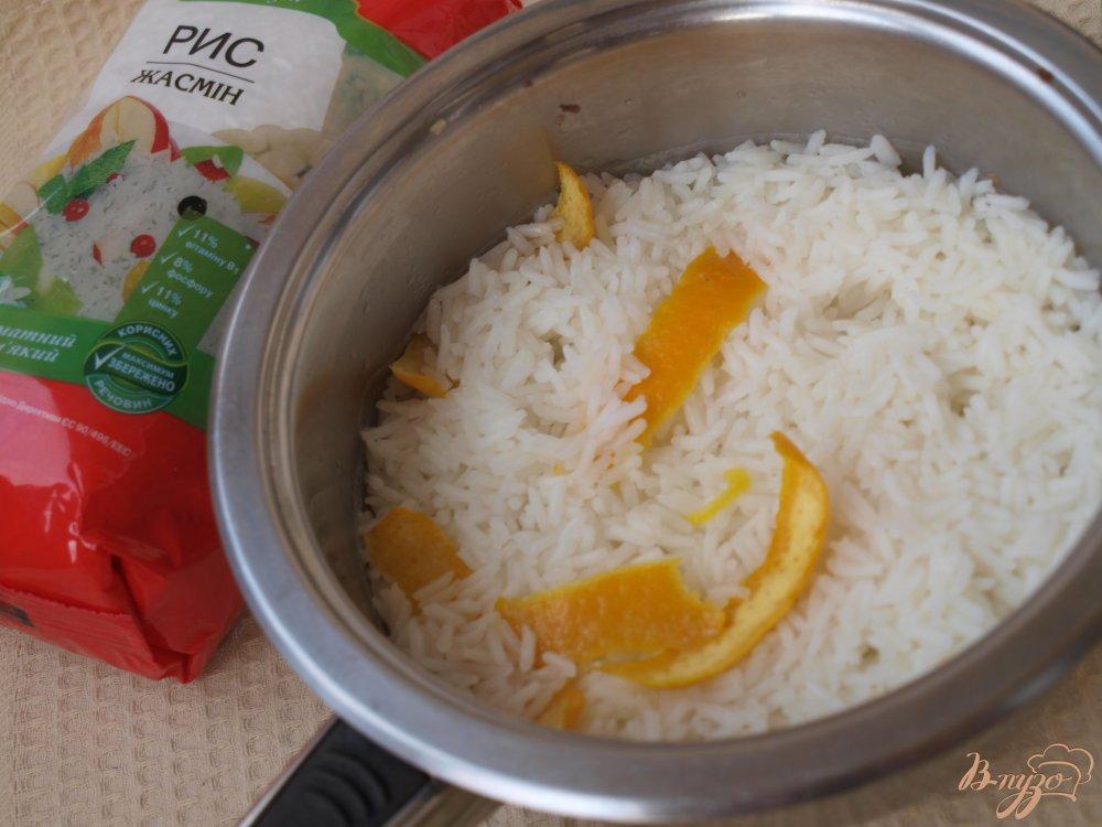 Фото приготовление рецепта: Апельсиновый суп с рисовыми шариками шаг №5