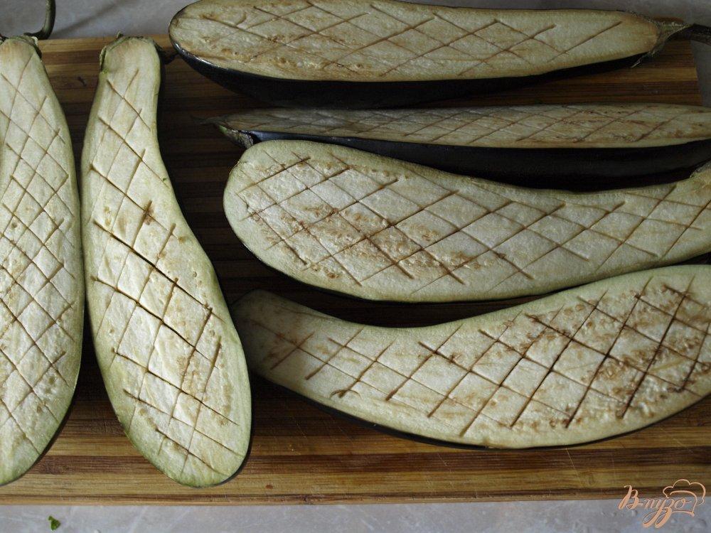 Фото приготовление рецепта: Запечённые баклажаны с томатной сальсой и сметанным соусом шаг №1