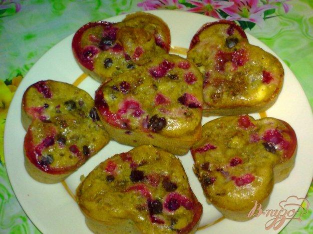 фото рецепта: Кексы с виноградом и шоколадом