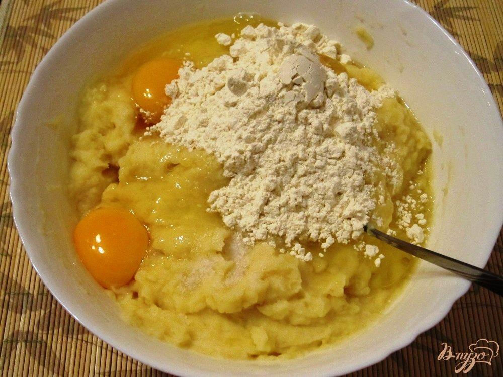 Фото приготовление рецепта: Картофельные шарики шаг №3