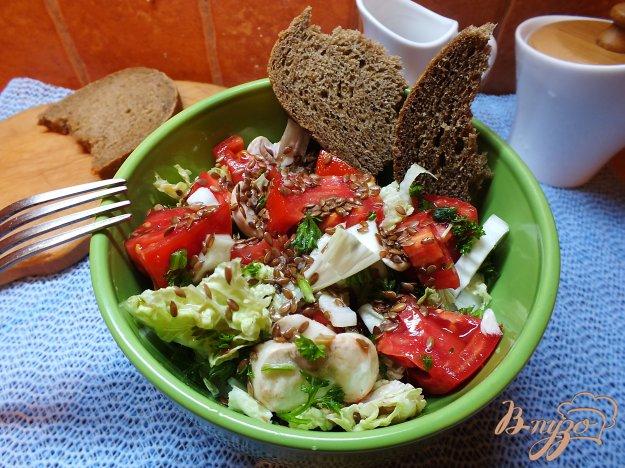 Рецепт Помидорный салат с грибами и семенами льна