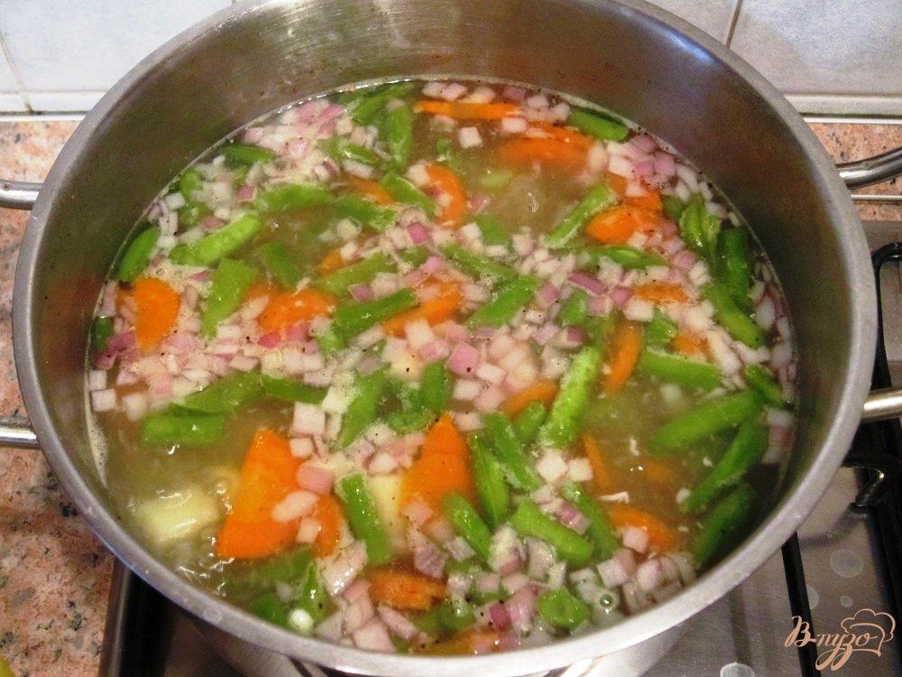 Фото приготовление рецепта: Мясной суп с овощами шаг №10