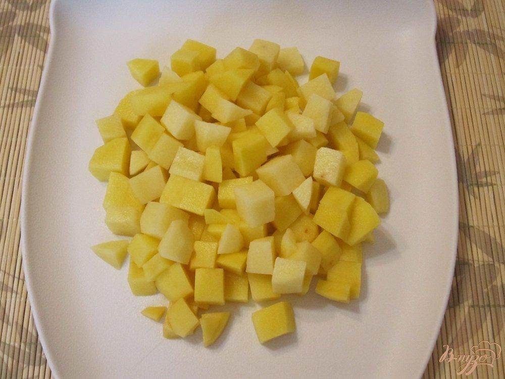 Фото приготовление рецепта: Мясной суп с овощами шаг №2