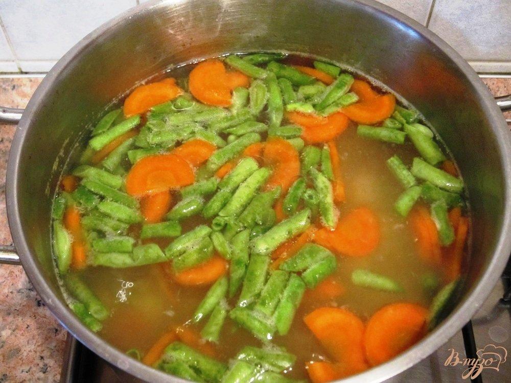 Фото приготовление рецепта: Мясной суп с овощами шаг №8