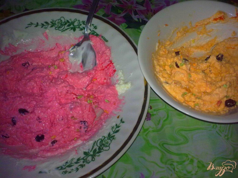 Фото приготовление рецепта: Десерт творожный с малиной шаг №4