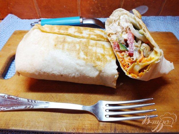 Рецепт Лавашь с отварной курицей, овощами и корейской морковкой