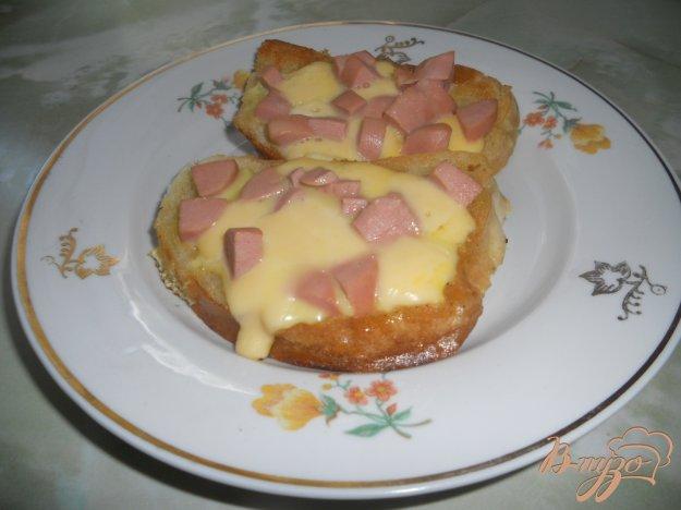 Рецепт Гренки с сосисками и сыром