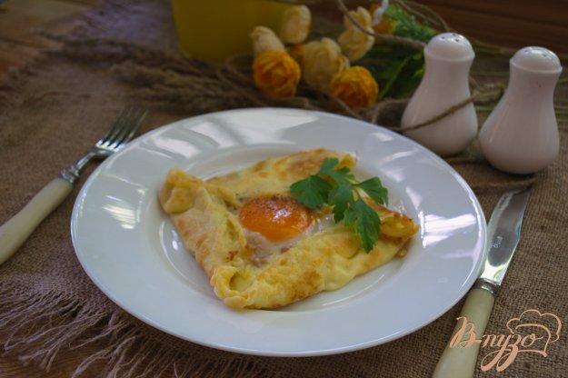 фото рецепта: Блины с яйцом на завтрак