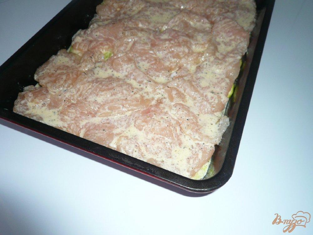 Фото приготовление рецепта: Куриное филе с кабачком шаг №6