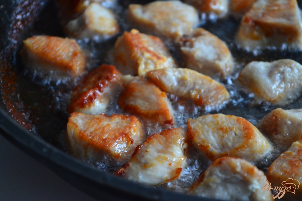 Фото приготовление рецепта: Плов с куриным мясом и чечевицей шаг №2