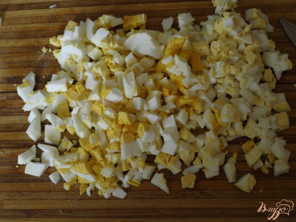 Фото приготовление рецепта: Окрошка в ледяной тарелке шаг №2