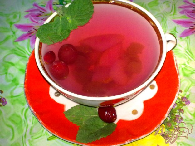 фото рецепта: Компот из груш с виноградом и клюквой