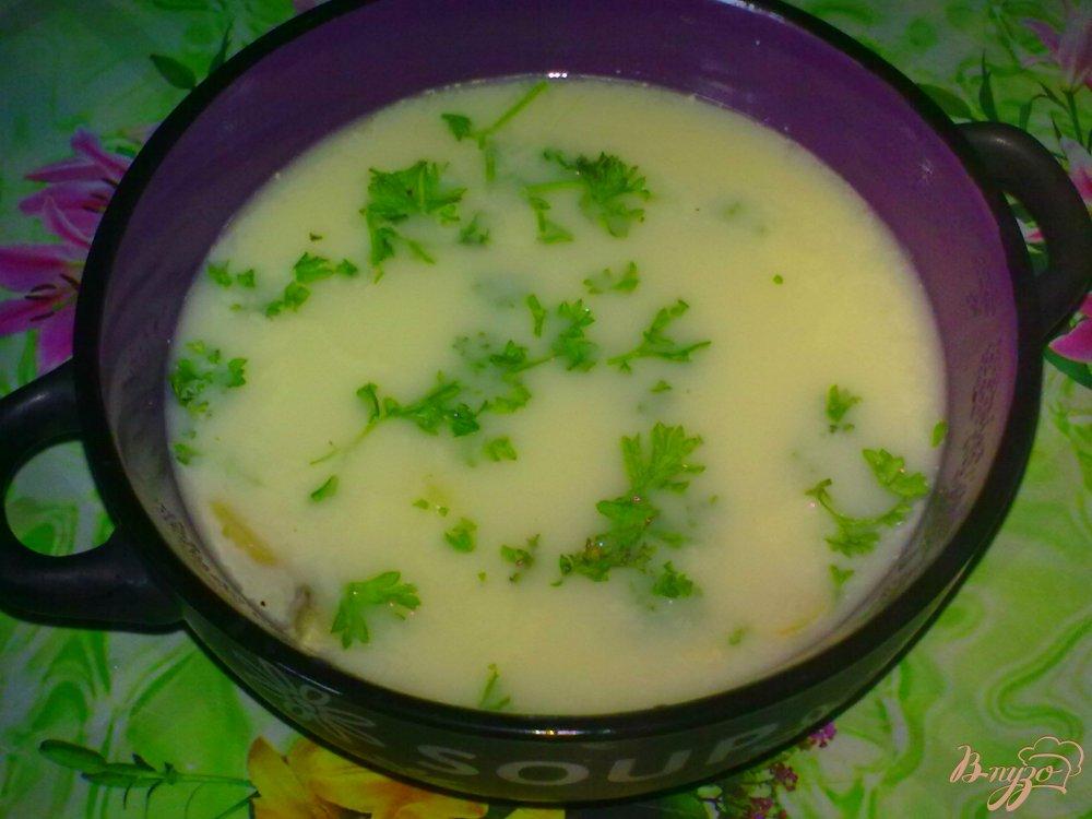 Фото приготовление рецепта: Суп сырный с шампиньонами шаг №7