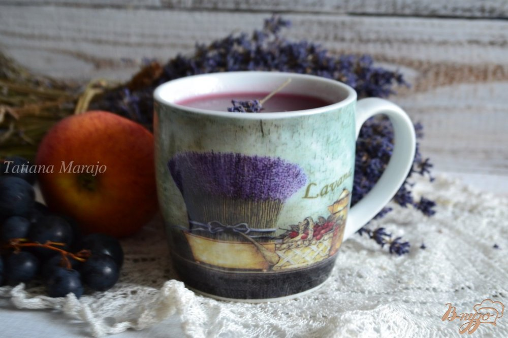 Фото приготовление рецепта: Виноградно-яблочный кисель с лавандой шаг №5