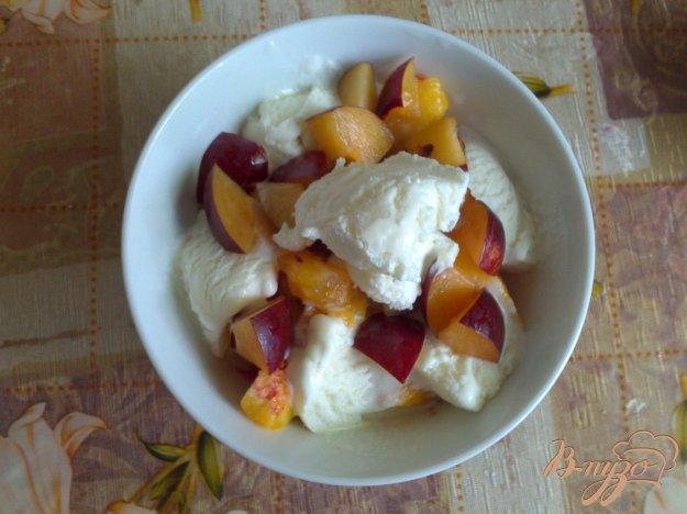 Рецепт Фруктовый салатик с малиновым топингом