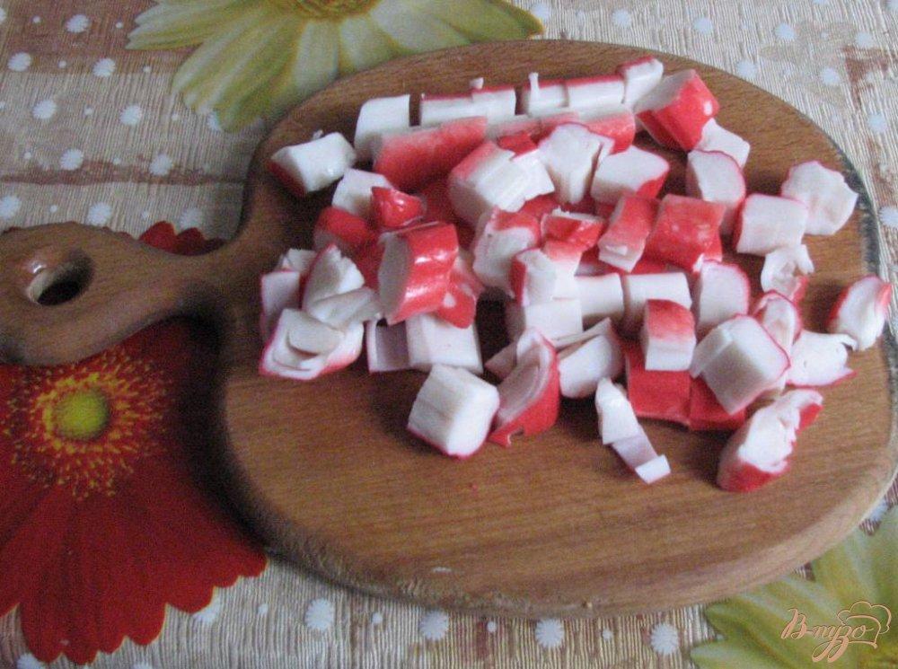 Фото приготовление рецепта: Рулет из лаваша и крабовых палочек шаг №2