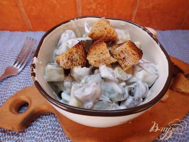 Рецепт Салат с соленым огурцом и куриными сердечками