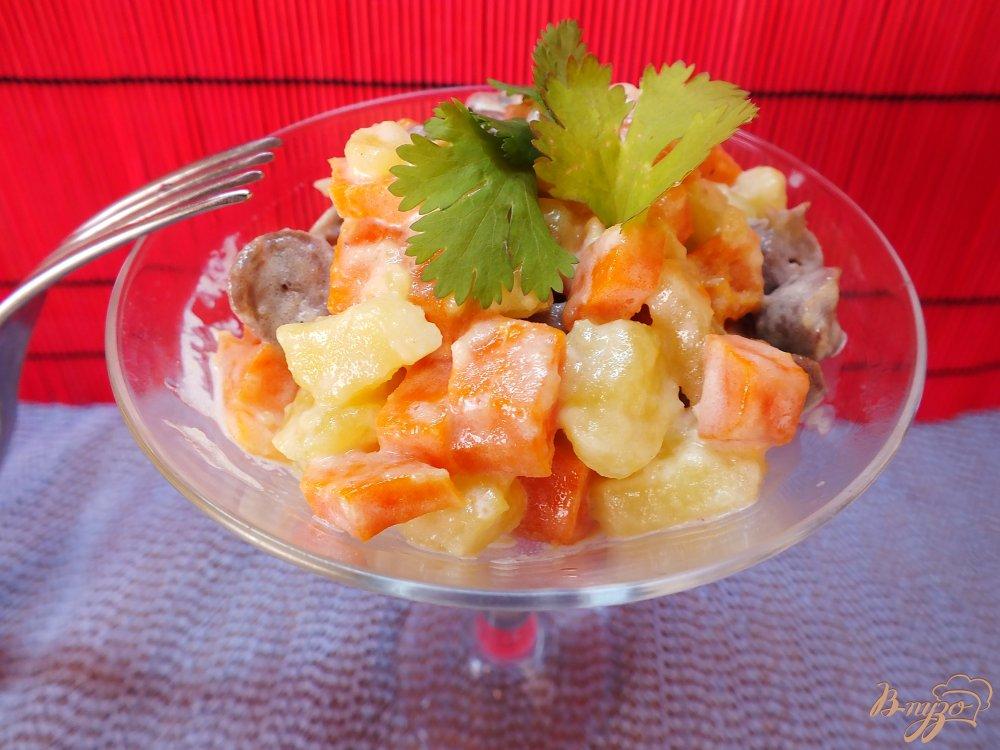 Фото приготовление рецепта: Теплый салат из сердец с морковью шаг №8