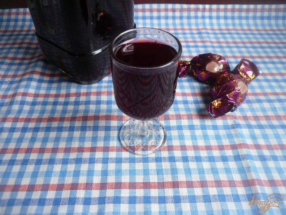 Фото приготовление рецепта: Настойка на вишневых косточках шаг №7