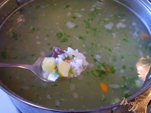 Фото приготовление рецепта: Рисовый суп с кабачком на пупках шаг №5