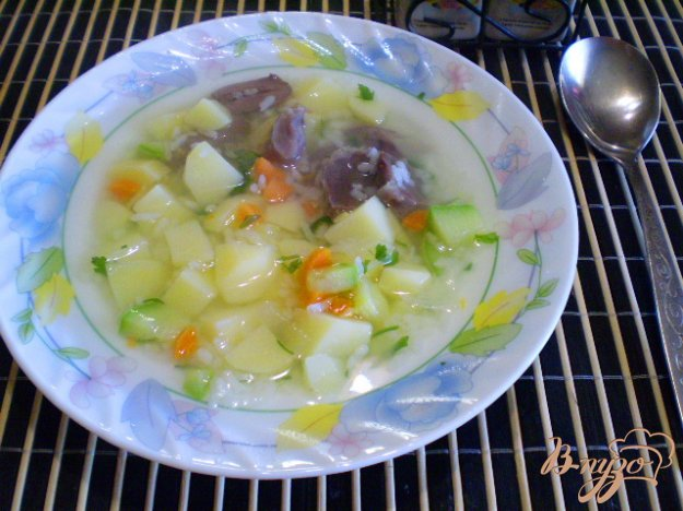 фото рецепта: Рисовый суп с кабачком на пупках