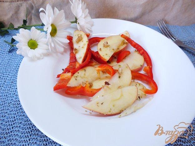 Рецепт Салат из сладкого перца и яблока