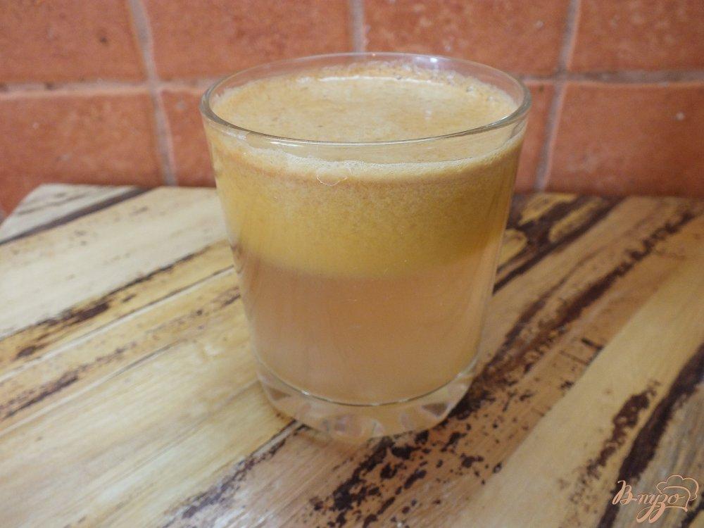 Фото приготовление рецепта: Тыквено-яблочный фрэш с корицей шаг №4