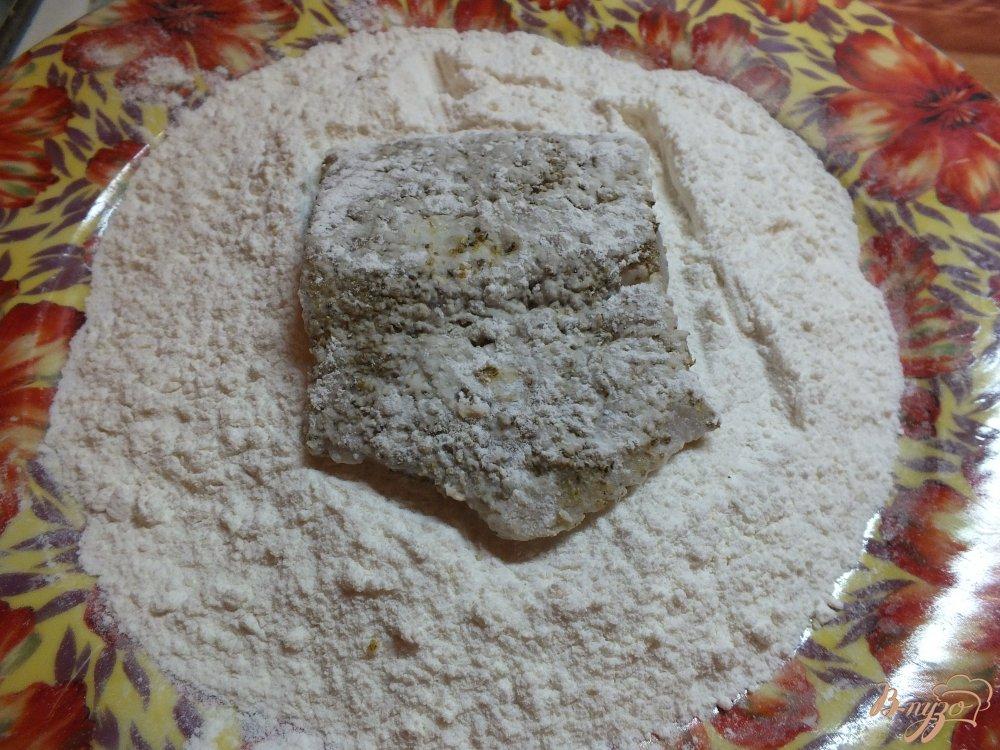 Фото приготовление рецепта: Минтай в панировке из карри шаг №5