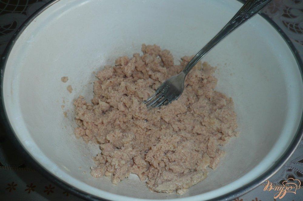 Фото приготовление рецепта: Салат из икры трески шаг №2