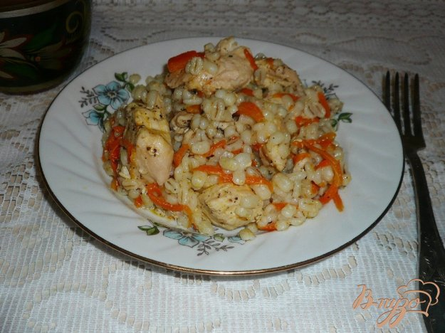 фото рецепта: Перловая каша с курицей в мультиварке