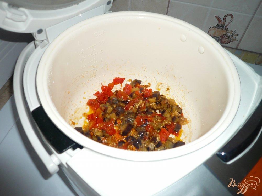 Фото приготовление рецепта: Перловая каша с баклажанами шаг №3