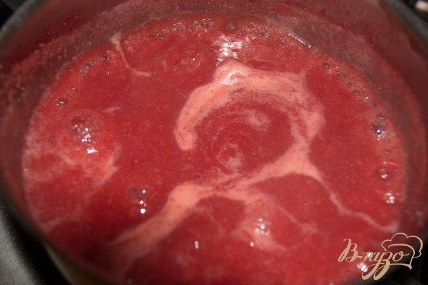Манный десерт на клубничном смузи