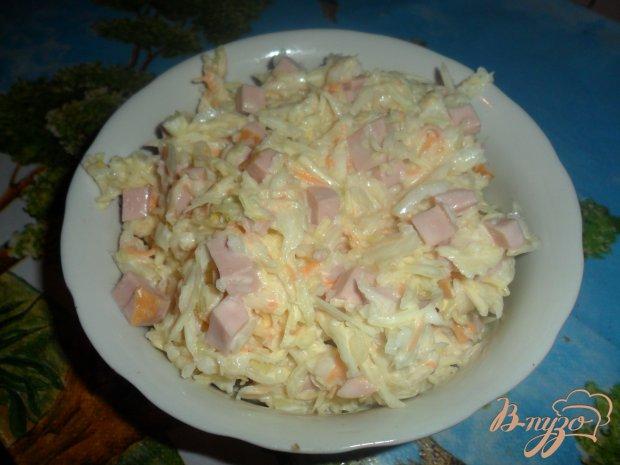 Капустный салат с колбасой