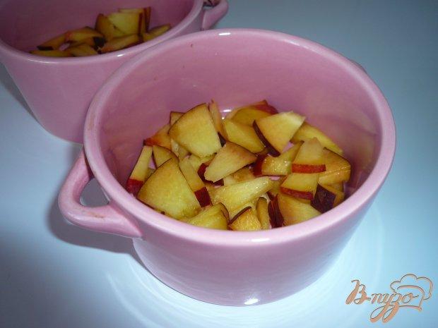 Желе из ряженки со свежими персиками