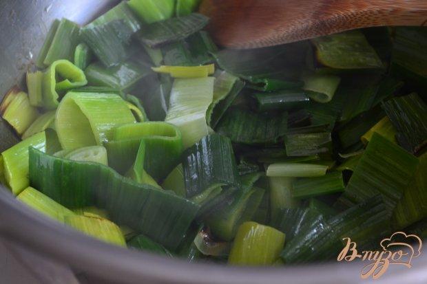 Крем-суп из лука порея с зеленым горошком
