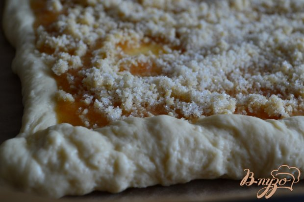 Сдобный пирог с вареньем из дыни