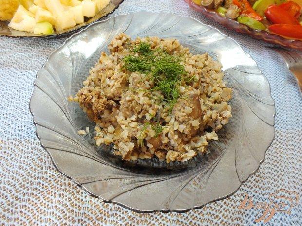 Печень куриная с грибами и гречкой