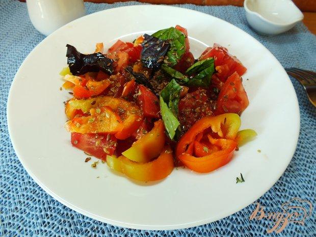 Салат со свежими розмарином и тимьяном