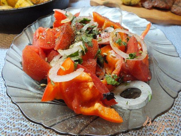 Салат с реганом и салатным луком
