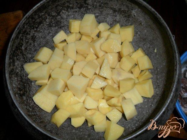 Тушенная картофель с свиными ребрами