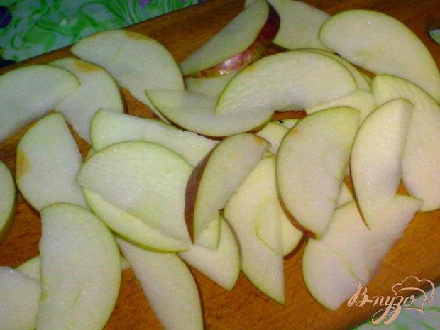 Компот яблочный с имбирем и тмином