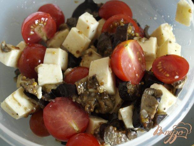 Салат из запечённых баклажанов с брынзой и помидорами